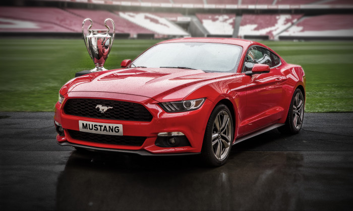 UEFA Champions League – Finalefest for Mustang entusiaster. Ford ?pner for eksklusiv forh?ndsbestilling av 500 nye Ford Mustang under finalen.